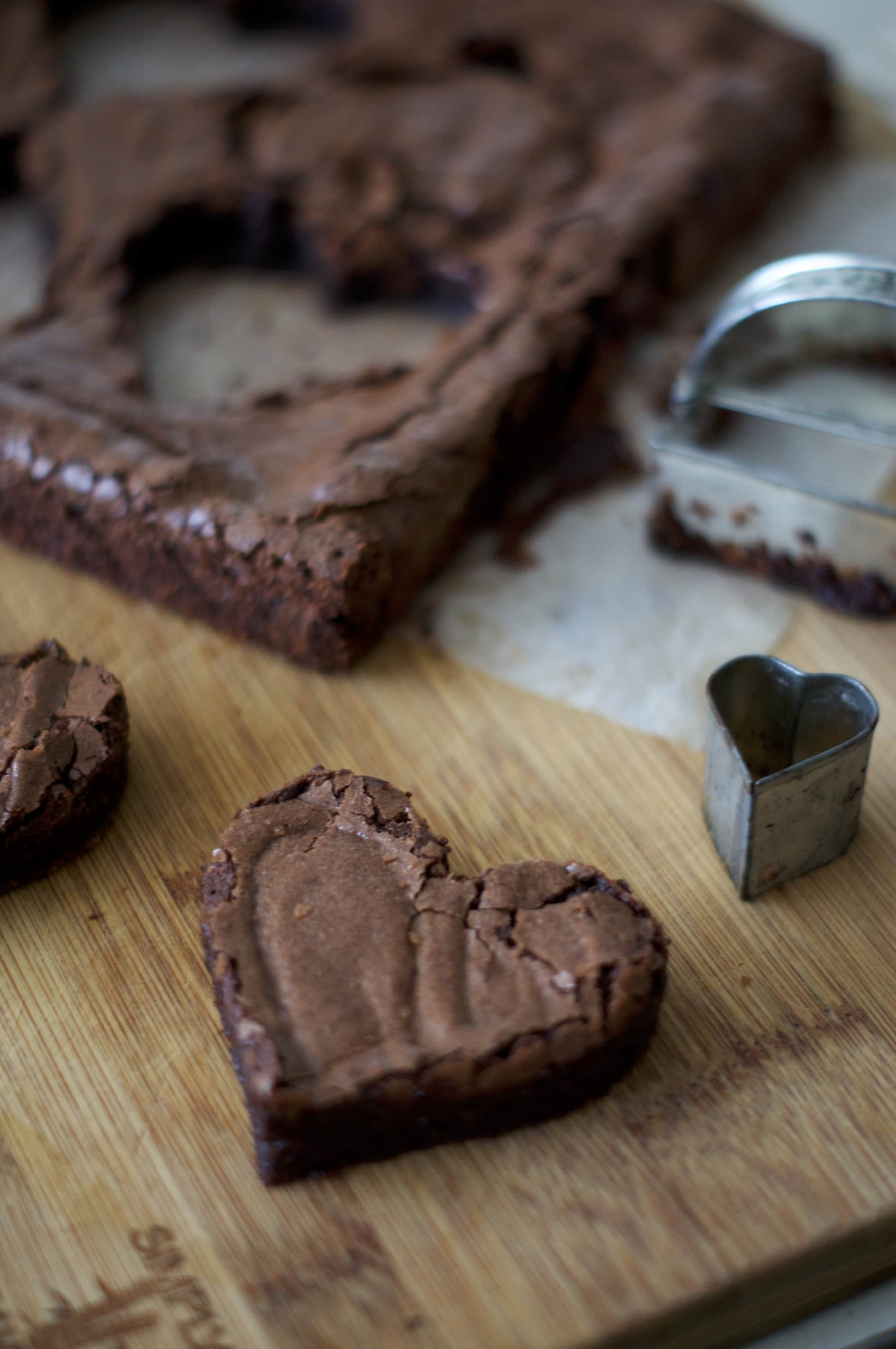 Double Chocolate Brownie Pops | via Midwest Nice Blog